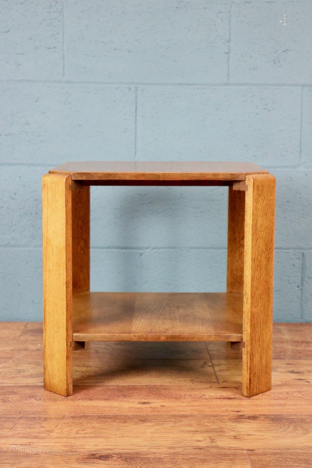 Oak lamp table antiques atlas for Z oak lamp table