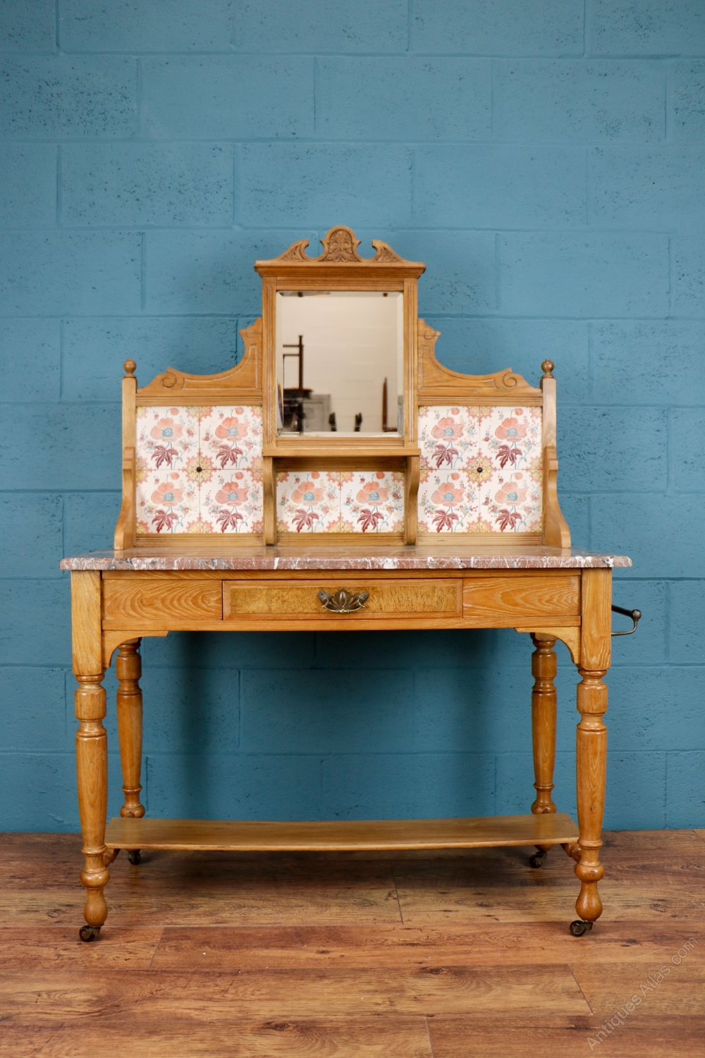 Victorian Tiled Washstand With Marble Top Antiques Atlas