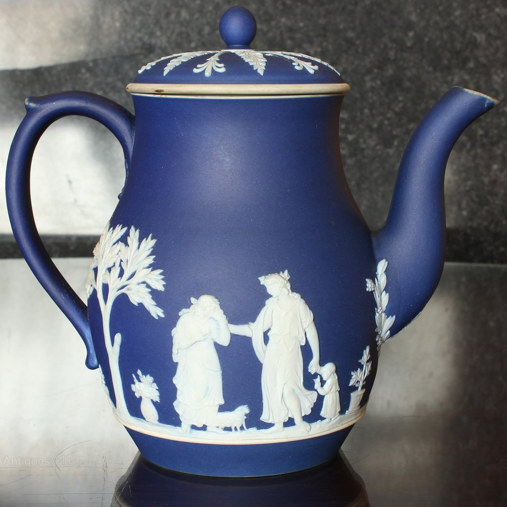 wedgwood jasperware dating Majolica pottery marks: wedgwood as we recently posted these marks can also assist in dating a piece because designs can be dated as well.
