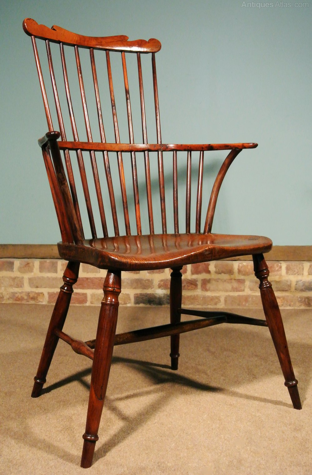 English Yew Wood And Elm Comb Back Windsor Chair ...