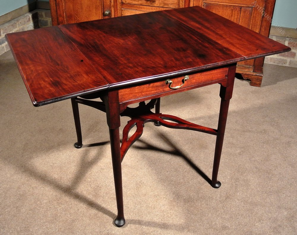 1800-1899 United Lovely Quality Antique Cuban Mahogany Table Good Condition Delivery Available Antiques