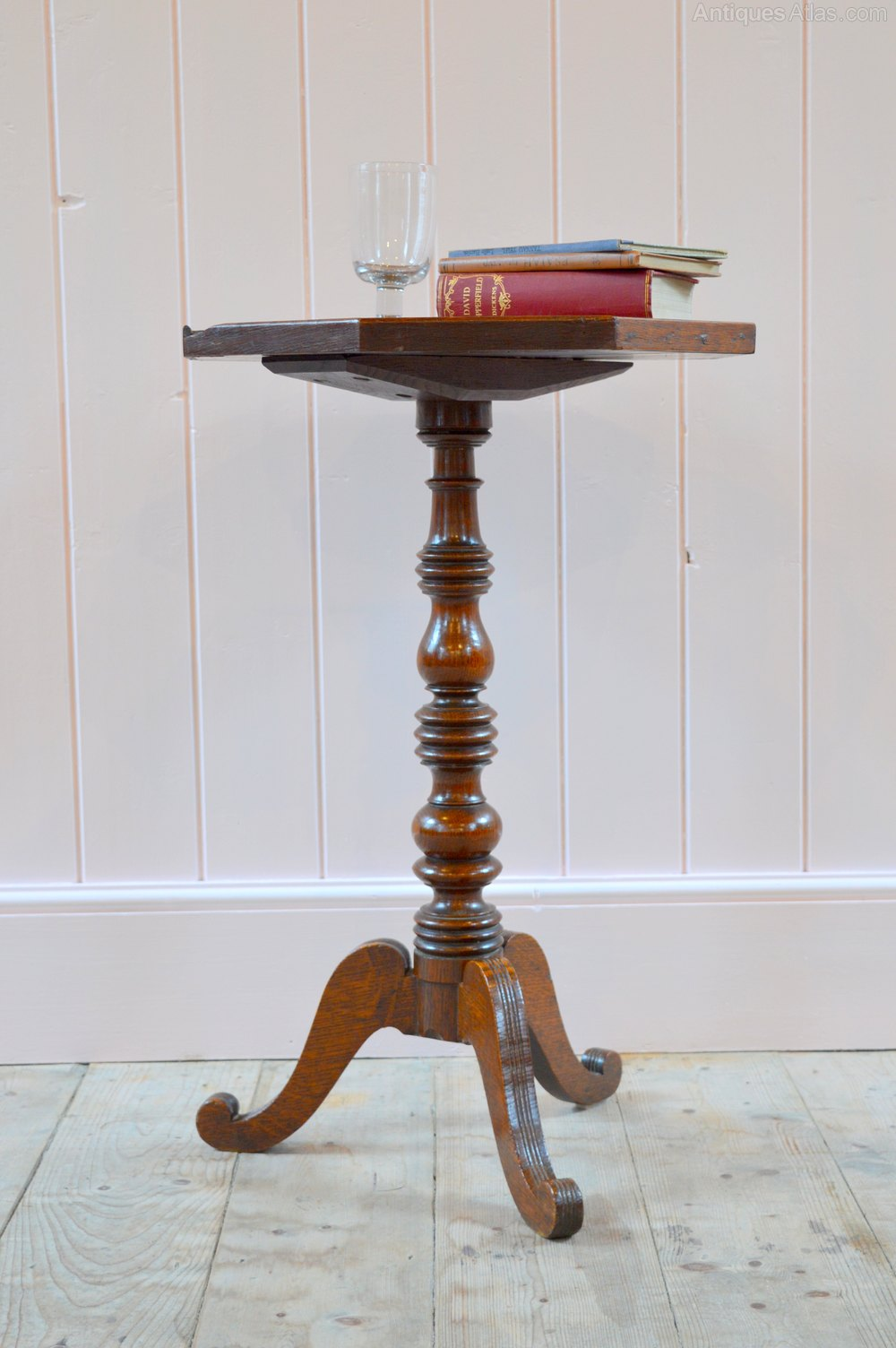 Photos. 18thC Welsh Oak Candle Stand Table ...