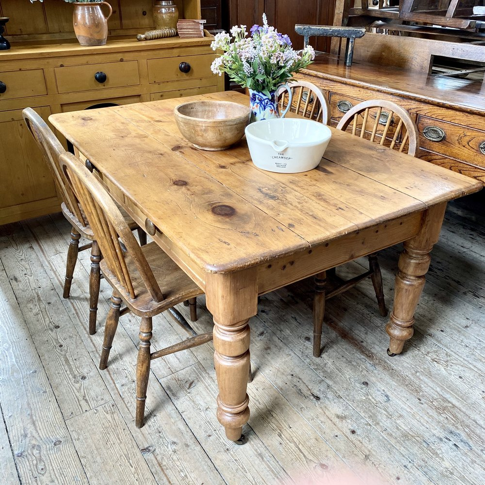Chunky Victorian Pine Farmhouse Dining Table   Antiques Atlas