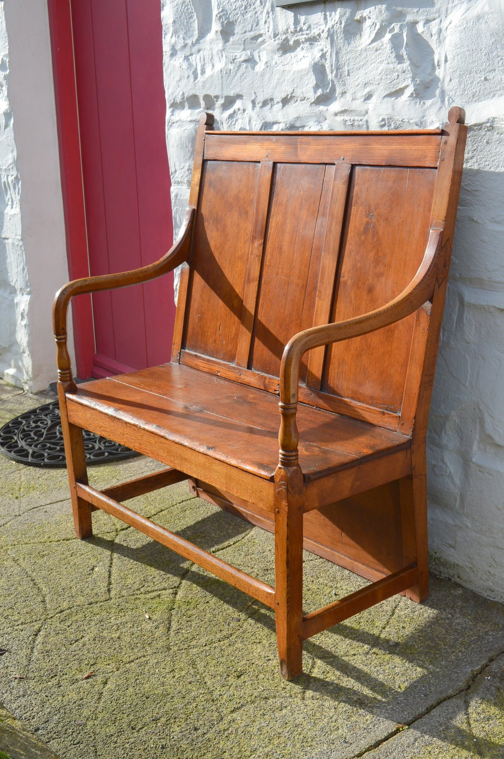 Magnificent Rare Welsh Settle Of Small Proportions Antiques Atlas Beatyapartments Chair Design Images Beatyapartmentscom