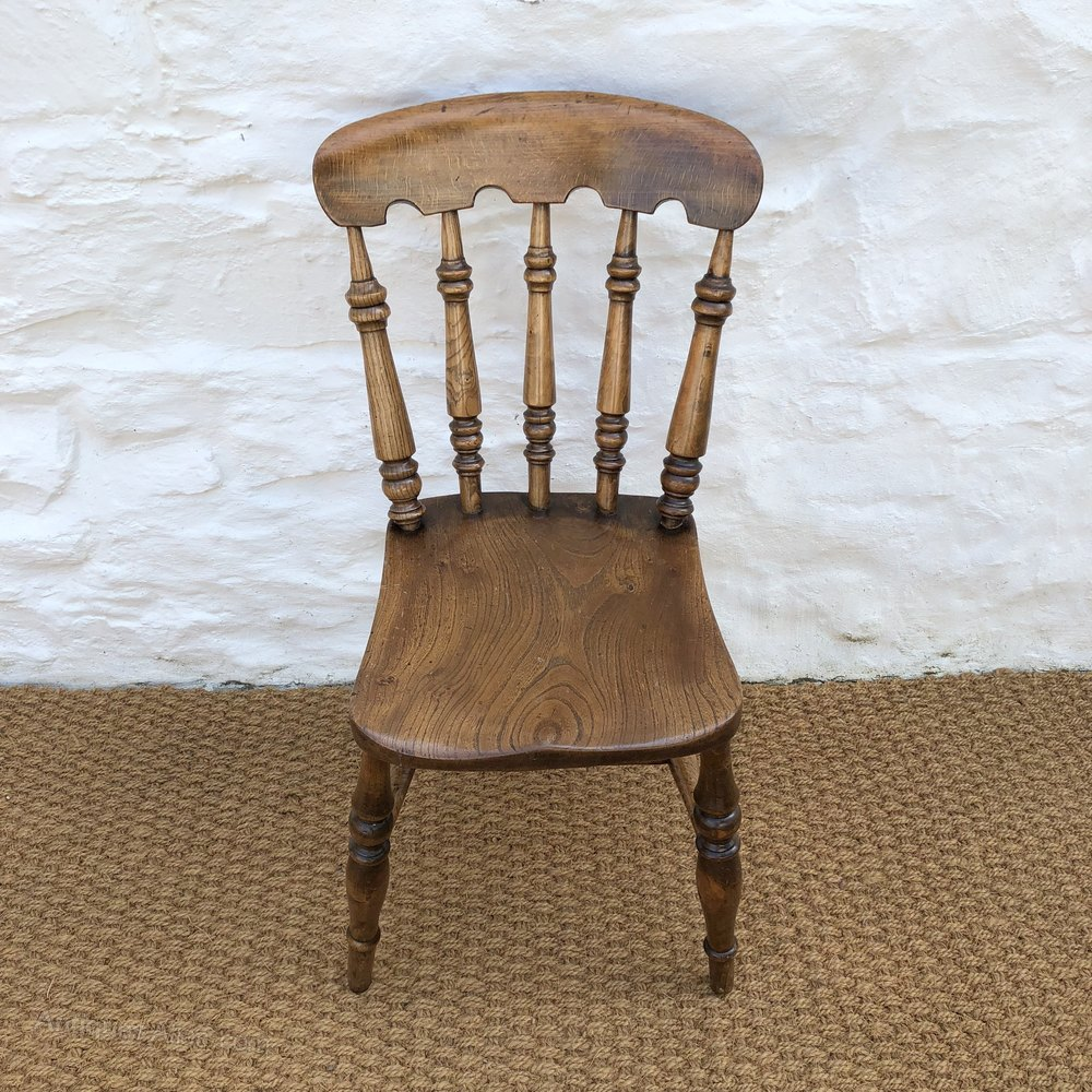 Set Of Four Victorian Farmhouse Dining Chairs 4 Antiques