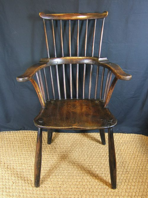 Elegant Pretty Country Comb Back Windsor Chair 18thC ...