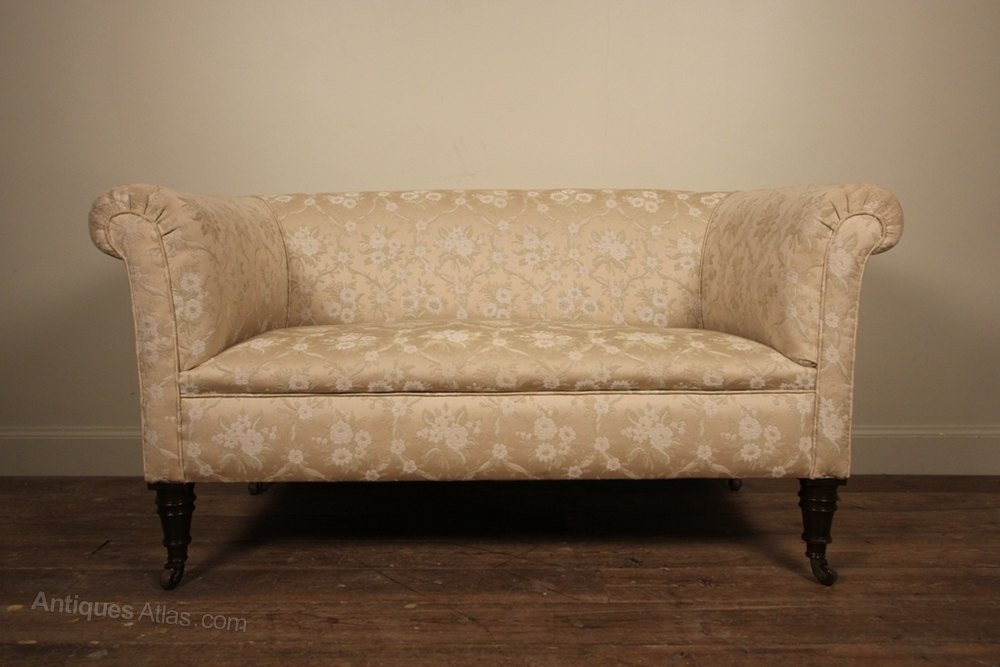 Small 19th c chesterfield sofa antiques atlas for Sofa 70 cm tief