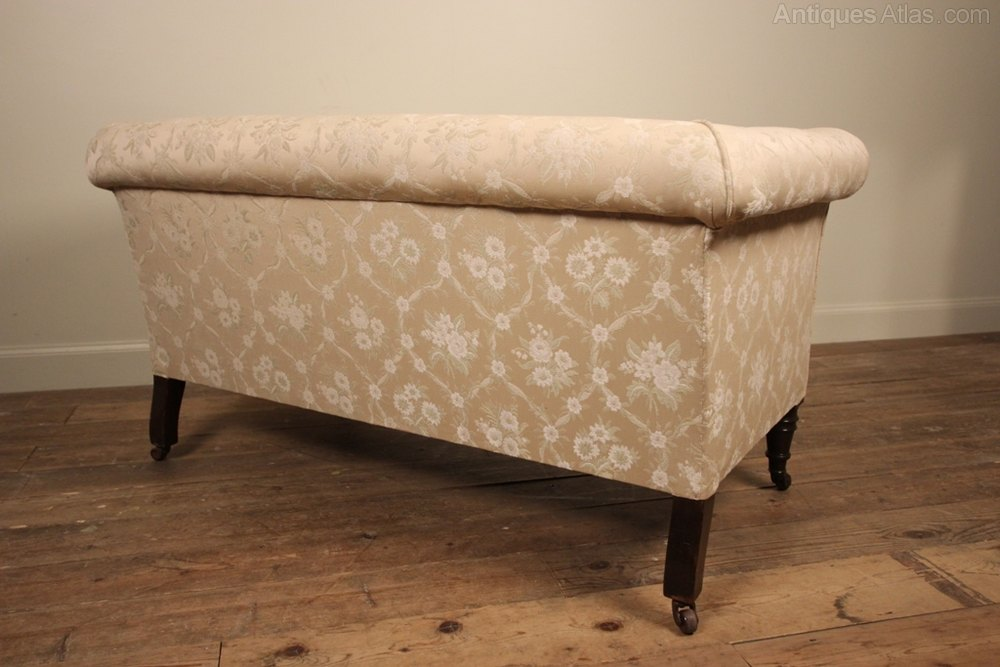 Small 19th c chesterfield sofa antiques atlas for Sofa 70 cm profundidad