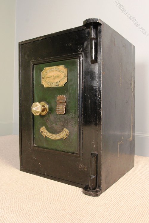 Antiques Atlas - Victorian Cast Iron Safe - Richard M Lord