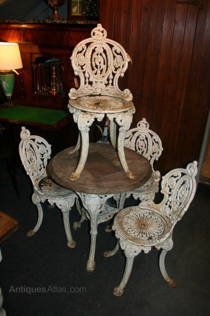 - Antiques Atlas - Cast Iron Garden Table & 4 Chairs