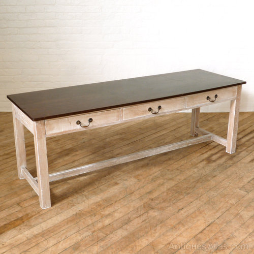 Country Dining Table With Bench: Country Style Dining Table