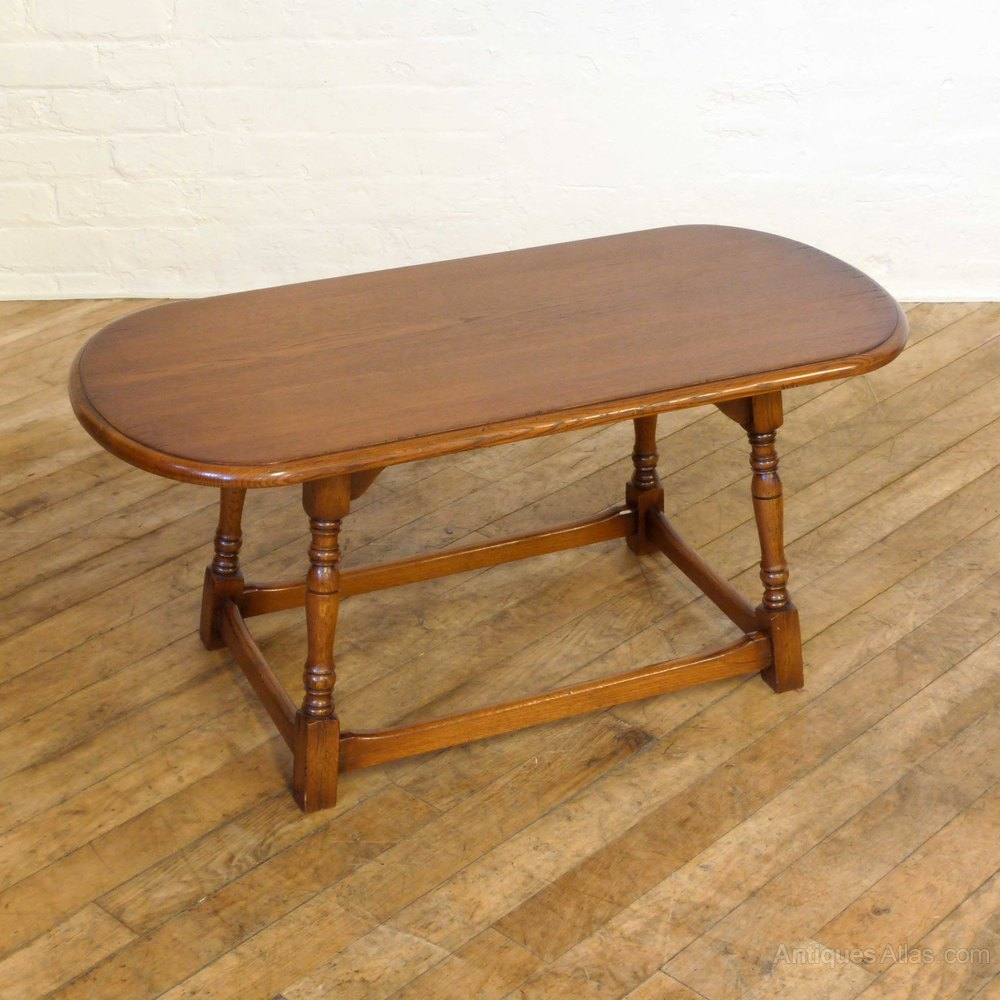 Oval Coffee Table Antique: Vintage Oak Oval Coffee Table