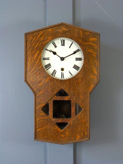 Antiques Atlas - An Oak Arts & Crafts Wall Clock