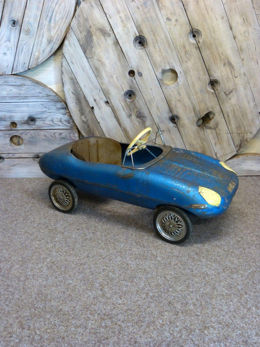 Jaguar E Type For Sale >> Antiques Atlas - Triang Jaguar E-Type Pedal Car