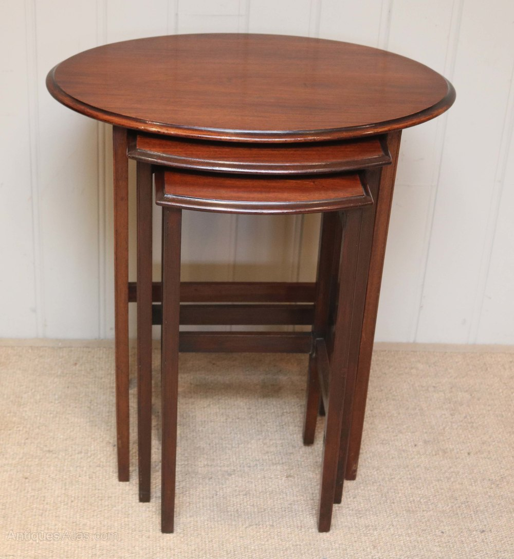 mahogany nest of tables antiques atlas. Black Bedroom Furniture Sets. Home Design Ideas