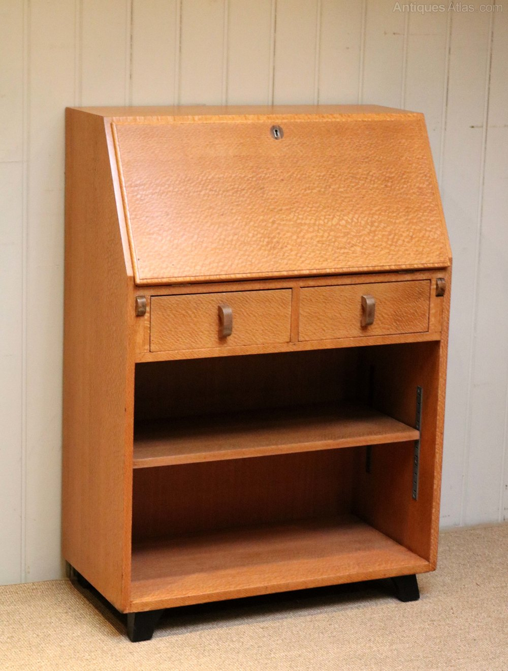 unusual australian silky oak art deco bureau antiques atlas. Black Bedroom Furniture Sets. Home Design Ideas