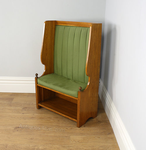 Amazing Arts Crafts Small Oak Hall Settle Bench C 1900 Antiques Beatyapartments Chair Design Images Beatyapartmentscom