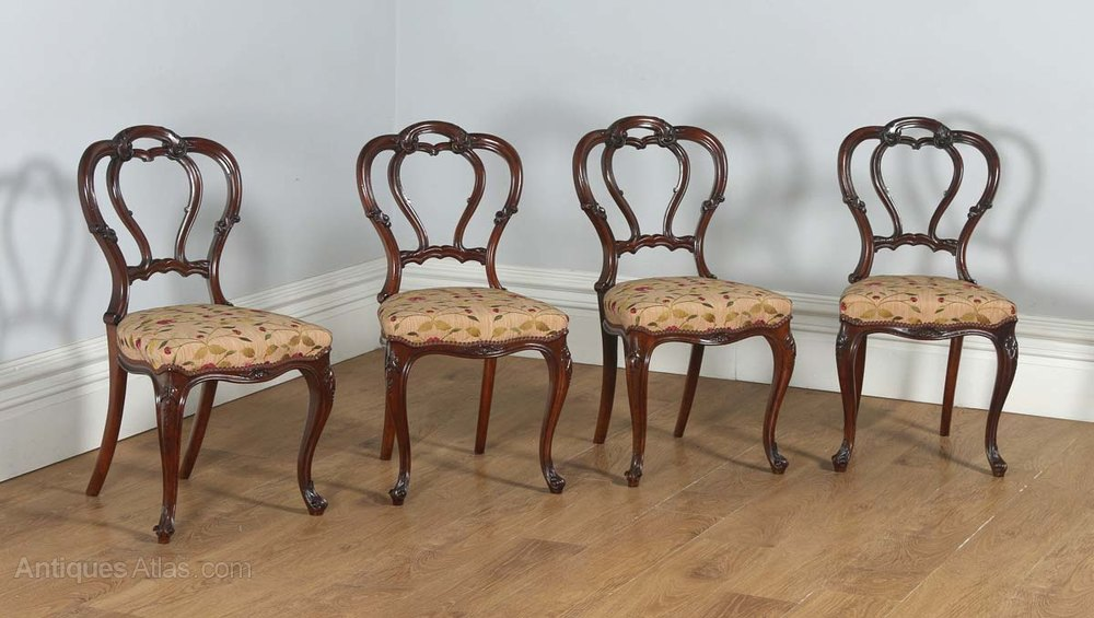 English Victorian Set Of Four Walnut Dining Chairs