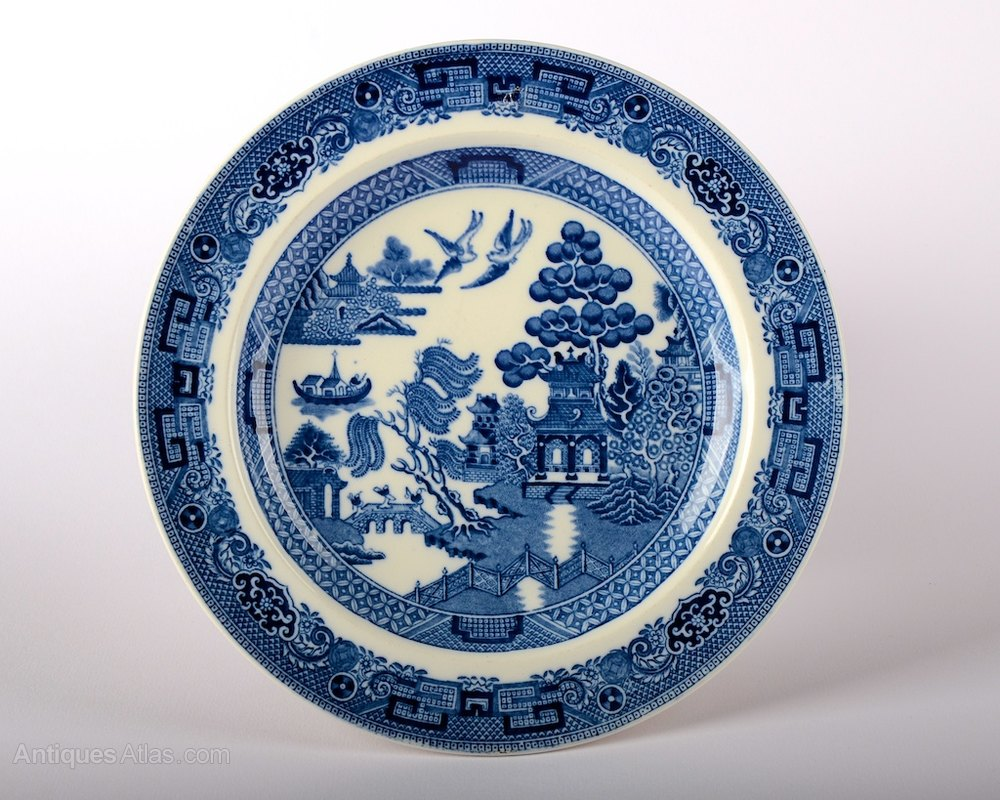 Antiques atlas antique wedgwood willow pattern plate for Wedgewood designs