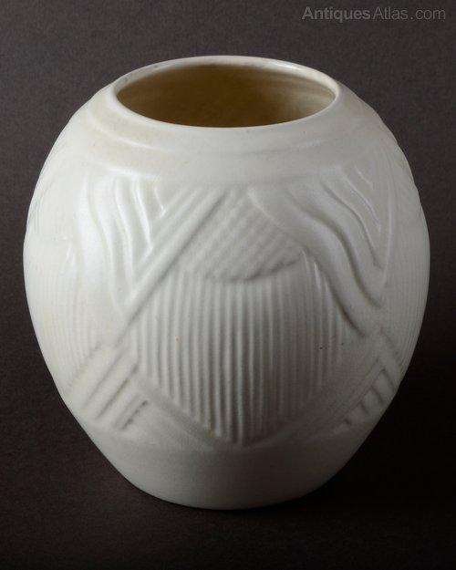 Antiques Atlas Vintage Art Deco Spode Velamour Ovoid White Vase